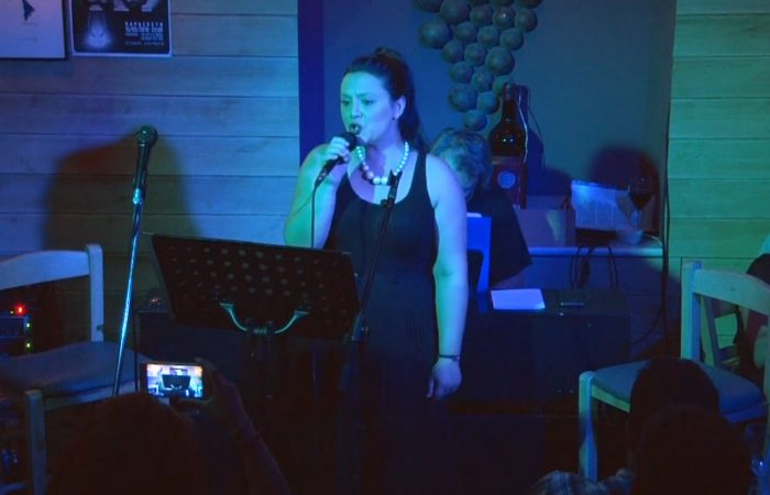 Η Μαρία Φραγκούλη τραγουδάει Noble Dame (Περιμπανού)